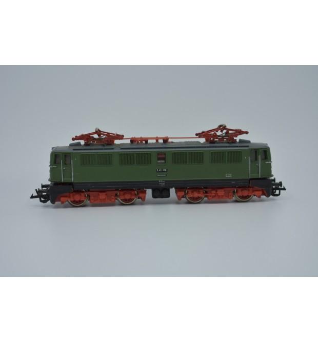 """Elektrická lokomotíva E 42 """"DR"""""""