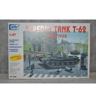 Stredný tank T-62